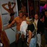 Porno star masculin, unul dintre putinii barbati dezbracati din zona