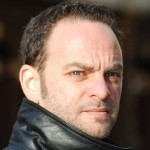 Adrian Halpert foto mic