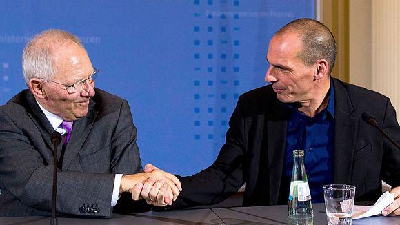 Yanis Varoufakis, ministrul grec de Finanțe, și omologul său german, Wolfgang Schäuble