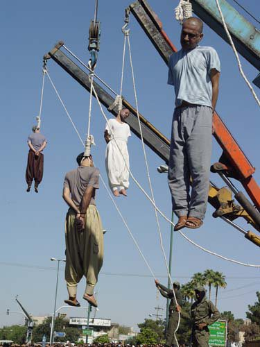 mass-hangings-in-iran-2