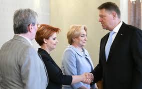 LA OHA LA POARTĂ E O MÂŢĂ MOARTĂ cine-o râde şi-o vorbi.. HAI CĂ SE POATE , HAI CĂ AVEM..... Mâna moartă a președintelui Iohannis Images-5